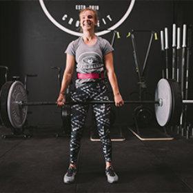 """""""Ich habe vor knapp 1,5 Jahren mit CrossFit angefangen und unter der Leitung von Patrick habe ich super viele Einblicke in diesen vielfältigen Sport bekommen und es sofort lieben gelernt. Meine Fortschritte in den ersten Monaten waren enorm. Nicht nur meine Kraft, meine Ausdauer und meine Zeiten in WODs haben sich enorm verbessert, auch mein Körper hat sich langsam angepasst und sieht jetzt definitiv sportlicher und definierter aus als zuvor. Egal welche Fragen ich bezüglich Technik, WODs oder Ernährung hatte, Patrick war stets zur Stelle, hat immer wieder über die Ausführung geschaut und Verbesserungsvorschläge parat gehabt. Auch in Zeiten der mangelnden Motivation oder Verzweiflung hat Patrick immer die richtigen, aufbauenden Worte. Für mich ist Patrick nicht nur ein großartiger Trainer, sondern ein wirklich guter Freund geworden, auf den man sich immer verlassen kann. Ich freue mich jetzt schon riesig mit einer neuen Community im CrossFit Treibstoff zu trainieren und zu sehen, wie Patrick seinen Traum lebt."""""""